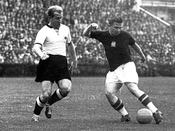 Ferenc Puskás lors de la finale de la Coupe du monde 1954