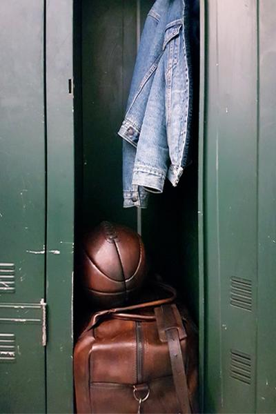 Leather John Woodbridge Weekender in an industrial vintage locker