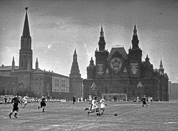 football match on red square in moscow in 1936