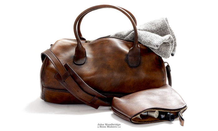 leather sports bag gym bag and leather toiletry bag