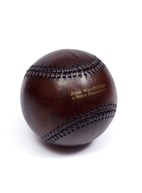 VINTAGE LEATHER BASEBALL