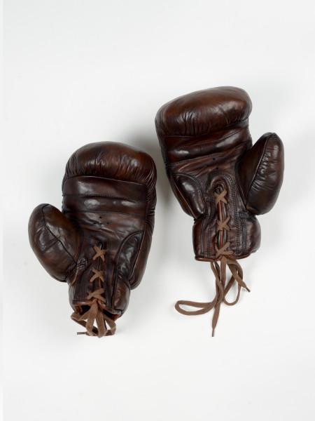 leather vintage boxing gloves