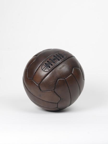 ballon de football vintage en cuir années 1950