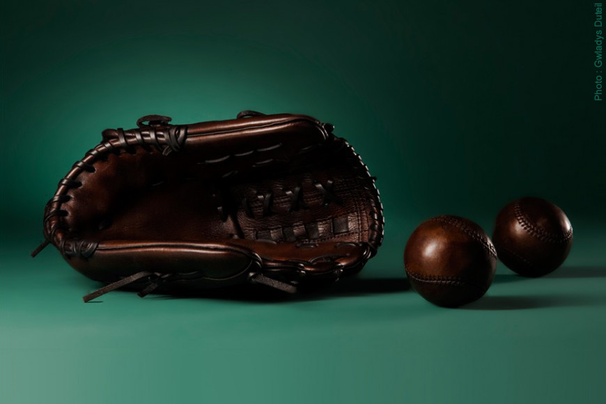The baseball glove history
