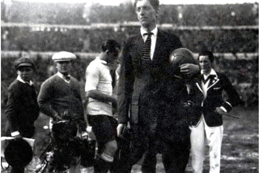 1930 World Cup : one final, two footballs