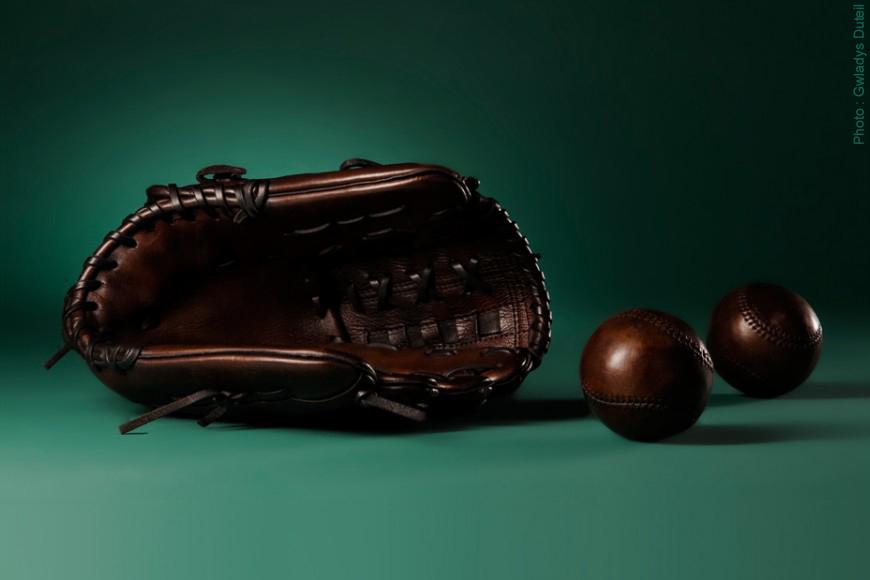 The baseball glove history