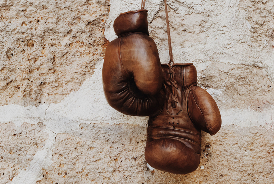 Hang up and unhook the gloves