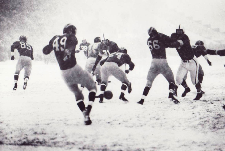 Blizzard and rivalry, the Snow Bowl of 1950
